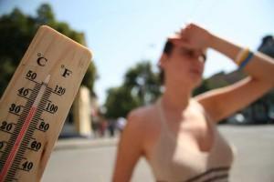 жаркая погода- допаивание грудничка